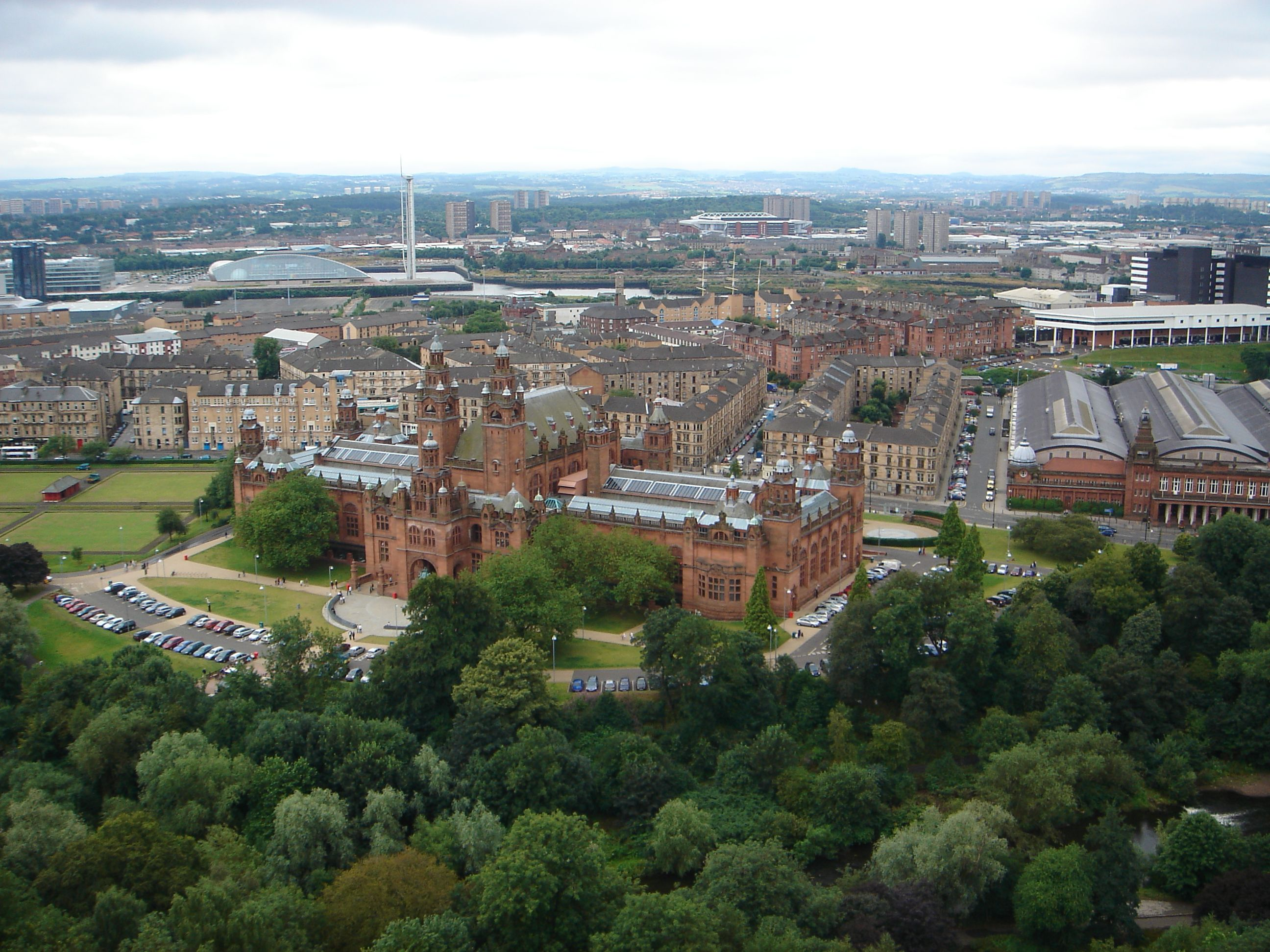 Kelvingrove_Art_Gallery_and_Museum_from_the_University_of_Glasgow_Tower